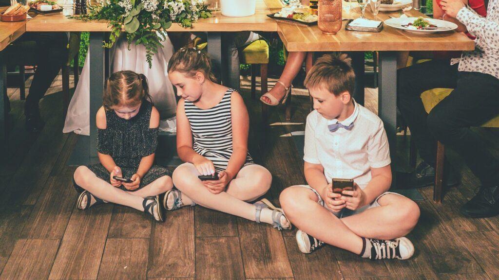 nowoczesne zabawy weselne dla dzieci