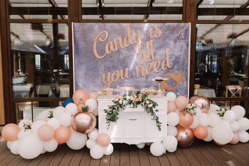 Organizacja wesela słodki stół