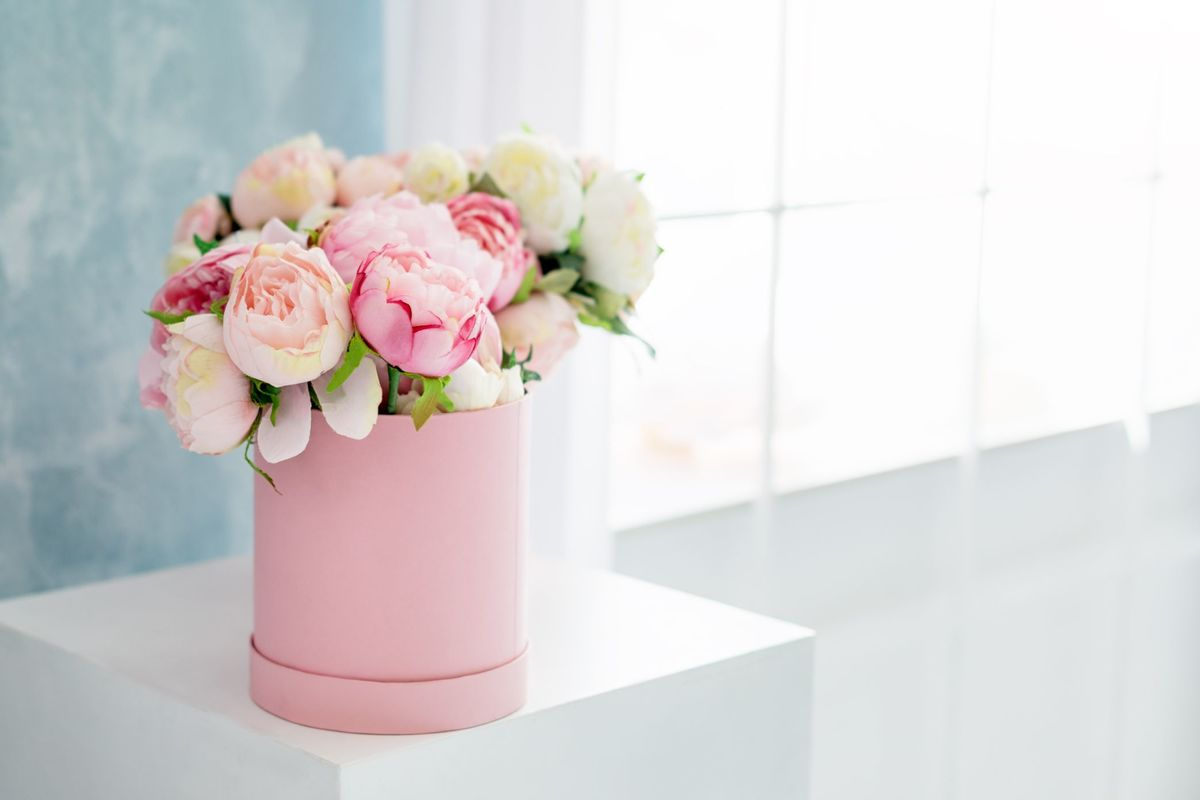 Różowy flower box jako podziękowanie dla rodziców