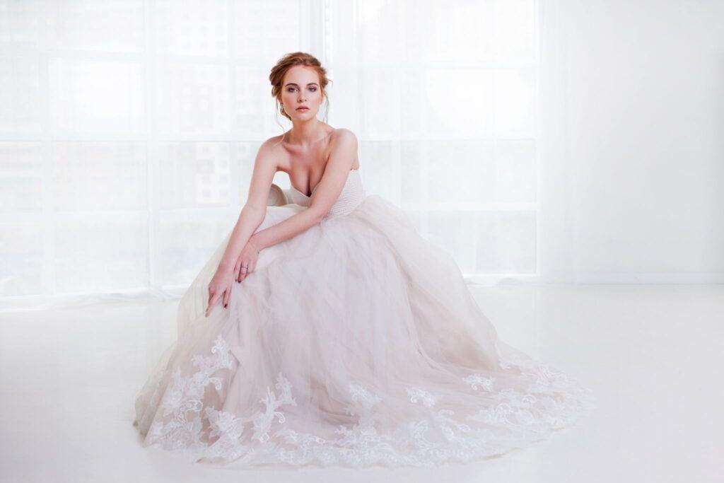 Suknie ślubne 2021 kolory