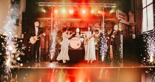 Roztańczone wesele, czyli jak pracuje nowoczesny zespół weselny