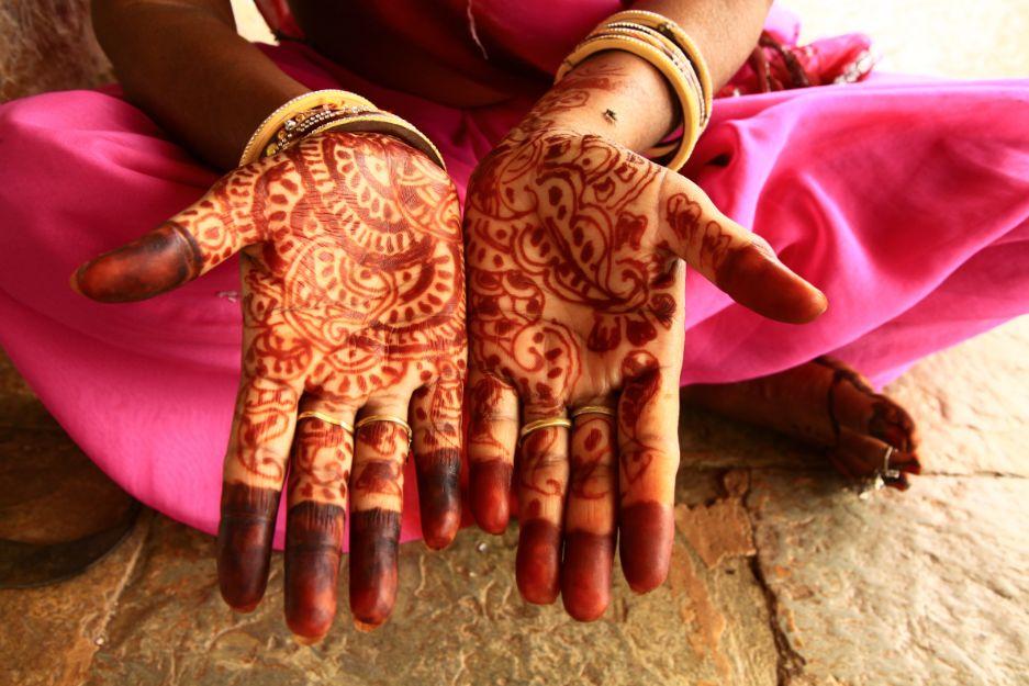 Hinduskie wesele rytuał henny