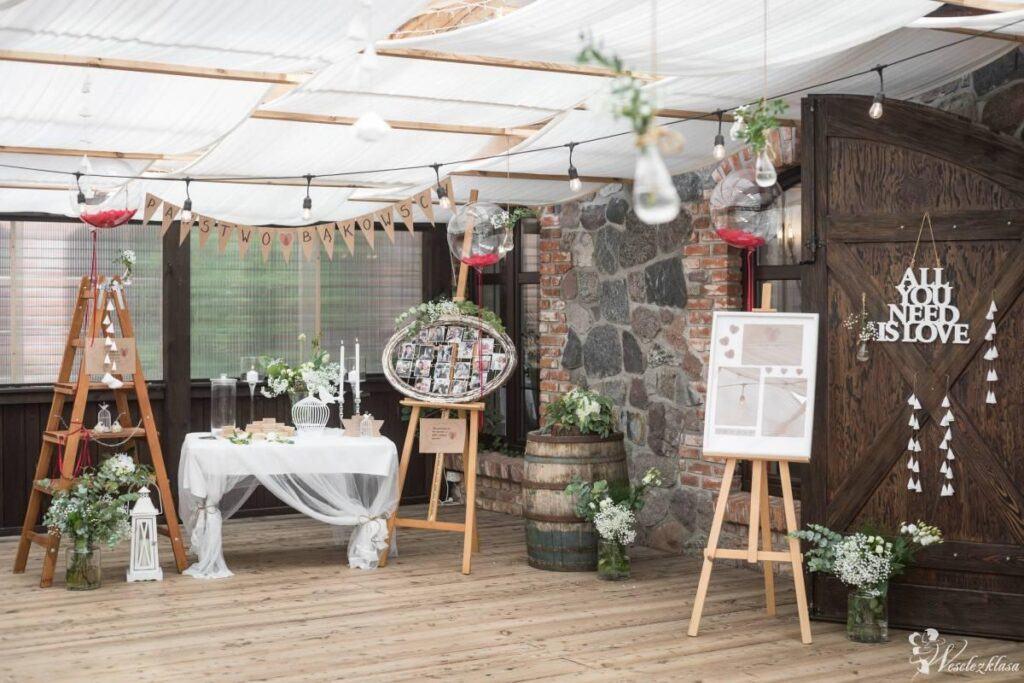 43f6c13e81e684 Niezapomniana dekoracja sali weselnej - trendy 2019!