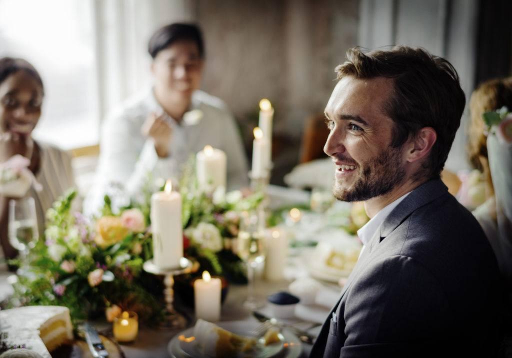 Przyśpiewki weselne przy stole weselnym